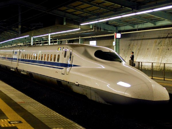 Tokaido Shinkansen image gallery. Check the interior and accommodations.