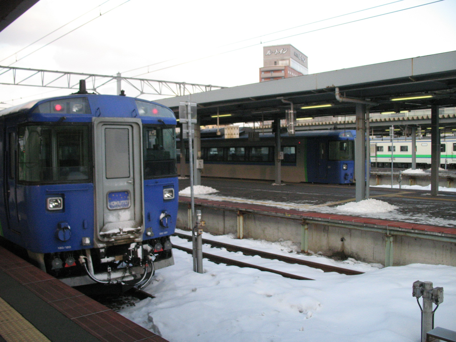 Hakodate station guide. How to change the train, Super Hakucho, Super Hokuto and other local trains.