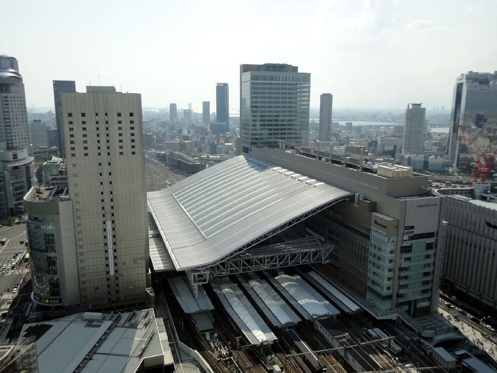 Osaka and Umeda stations guide. How to change JR trains, subway trains and other private railways