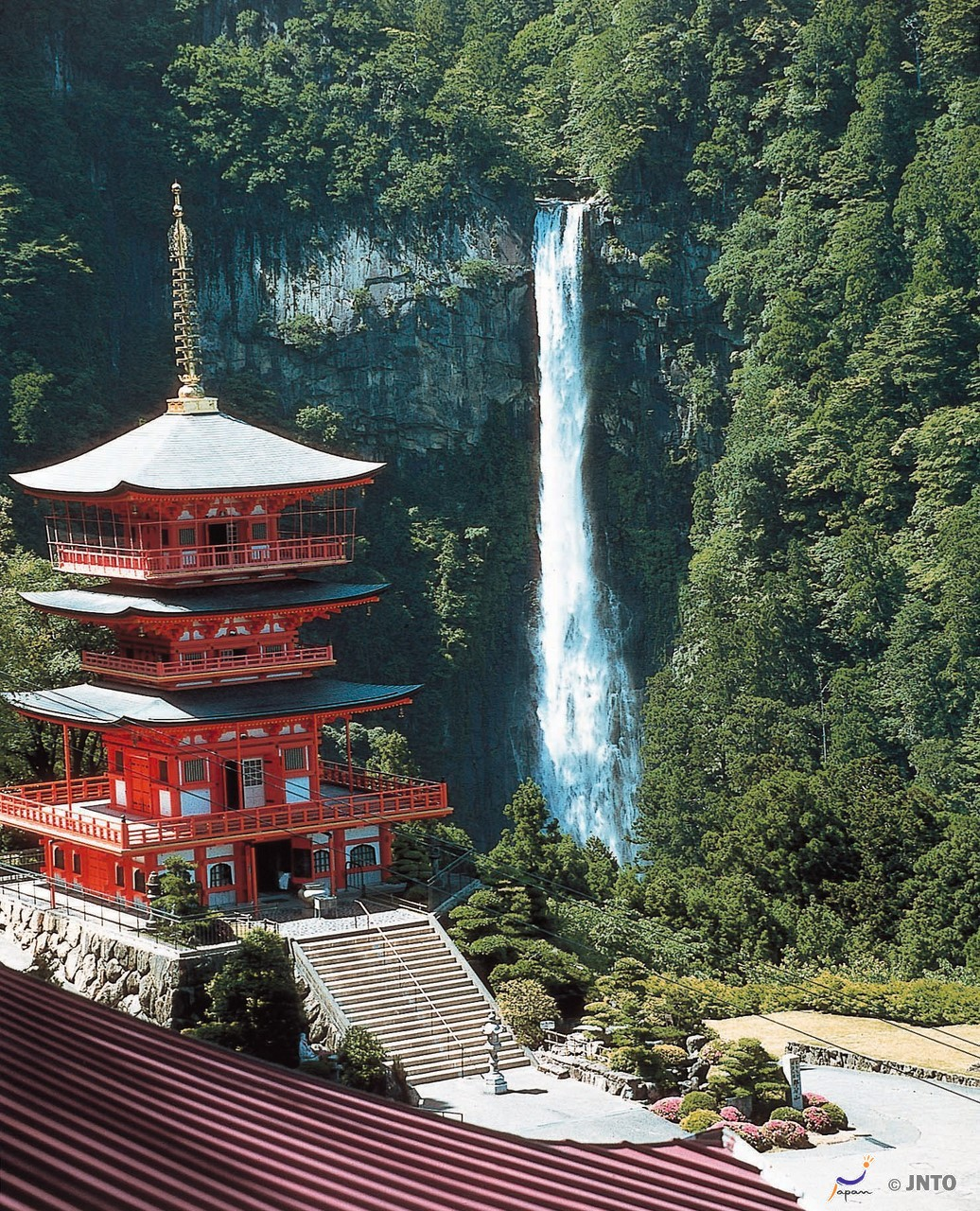 Kii peninsula access guide. How to get Shirahama, Kii-Katsuura and Shingu.