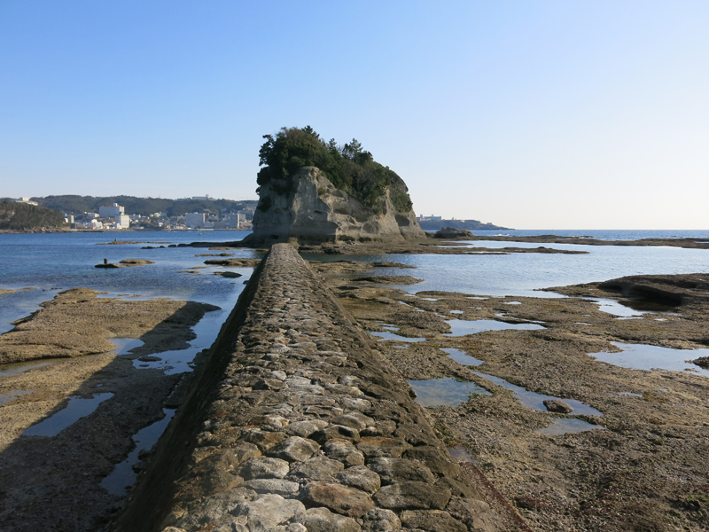 Easy trip to Nanki Shirahama from Osaka. Part 2 check in hotel, glass boat tour and small aquarium.