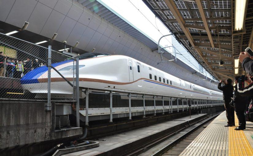 hokuriku shinkansen E7